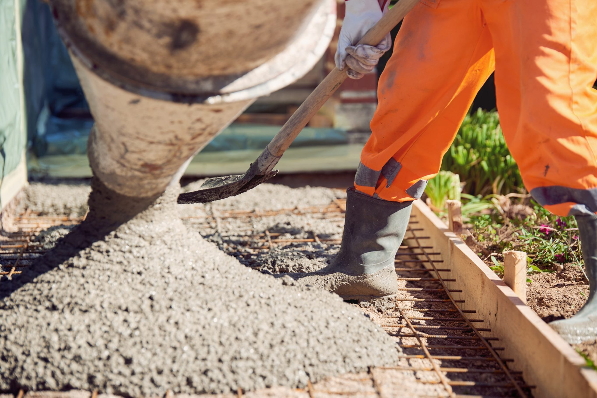 why is concrete a good construction material?